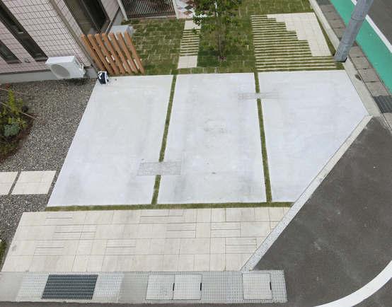 安曇野市 普段はかっこよく見えて、いざというときに駐車できる庭