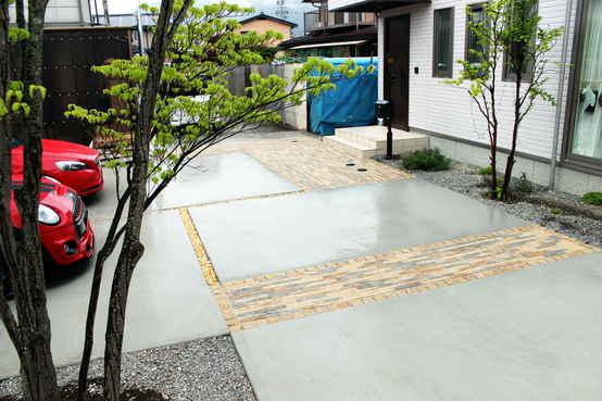 岡谷市 石畳風ブロックとコンクリートのカースペース